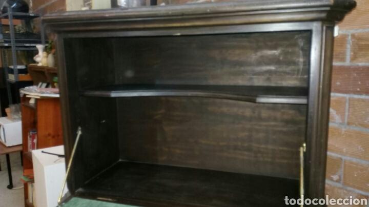 Antigüedades: BARGUEÑO LICORERO DE NOGAL TALLADO ETIQUETADO DE LA SALA DE ARTE JOAQUIM SOROLLA RECOGIDA A CARGO - Foto 11 - 110524668