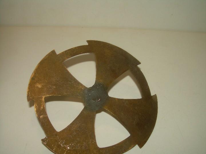 Antigüedades: ANTIGUA CORONA DE LATON DORADO PARA IMAGEN DE SANTO. - Foto 3 - 110549523