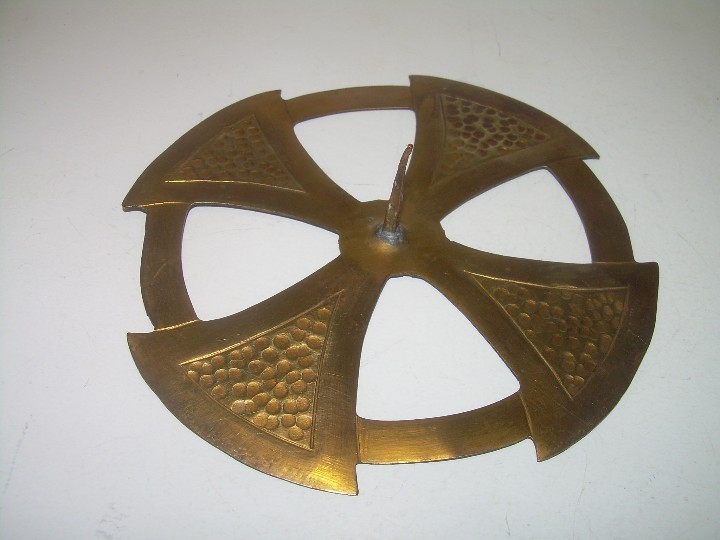 Antigüedades: ANTIGUA CORONA DE LATON DORADO PARA IMAGEN DE SANTO. - Foto 4 - 110549523