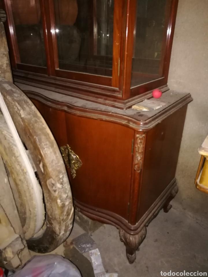 Antigüedades: Vitrina muy bonita en buen estado. Algun rozon. - Foto 3 - 110556558