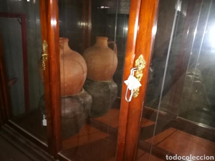Antigüedades: Vitrina muy bonita en buen estado. Algun rozon. - Foto 4 - 110556558