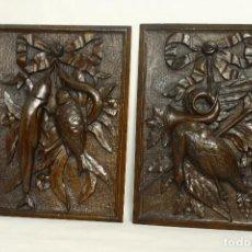 Antigüedades: RELIEVE MOTIVO DE CAZA Y PESCA. MADERA DE CASTAÑO. REALIZADOS POR FELIPE MUÑOZ OVIEDO. SXIX. Lote 110578979