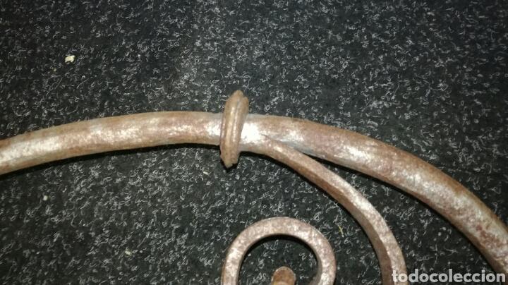 Antigüedades: Hierro de mesa lira de forja JM / - Foto 3 - 110611071