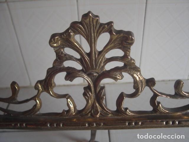 Antigüedades: Gran marco de sobremesa para foto de bronce. Periodo Belle Epoque (1871-1914) - Foto 3 - 110615171