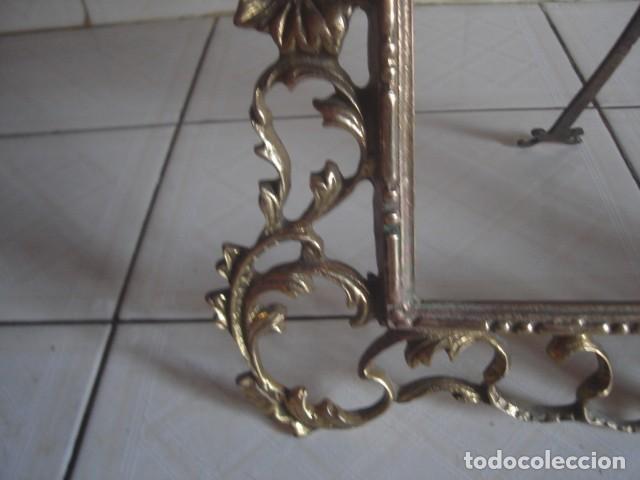 Antigüedades: Gran marco de sobremesa para foto de bronce. Periodo Belle Epoque (1871-1914) - Foto 4 - 110615171
