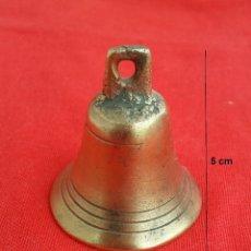 Antigüedades: (REF.07) PEQUEÑA CAMPANA EN BRONCE. 5 CM ALTO.. Lote 110619655