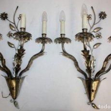 Antiquitäten - PAREJA DE APLIQUES DE PARED EN METAL Y LATON DE MEDIADOS DEL SIGLO XX - 110626211