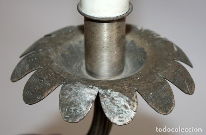 Antigüedades: PAREJA DE APLIQUES DE PARED EN METAL Y LATON DE MEDIADOS DEL SIGLO XX - Foto 3 - 110626211