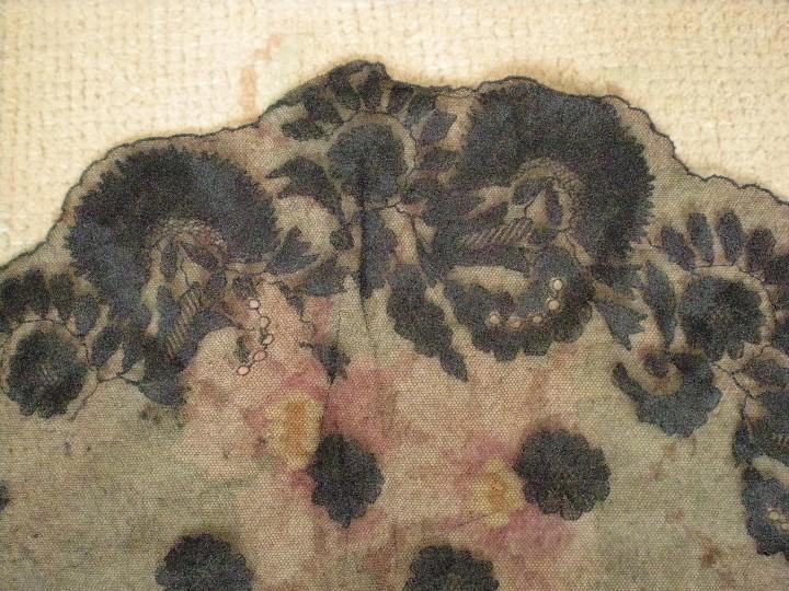 Antigüedades: Velo o Mantilla antigua de encaje de misa de en triángulo de 1,18 por 55 - Foto 7 - 110303271