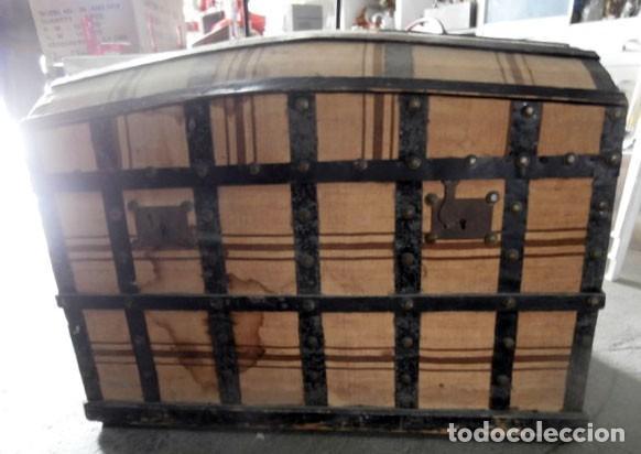 Antiguo ba l de herrajes y tela de saco a os 30 comprar for Herrajes muebles antiguos