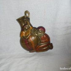 Antigüedades: FLORERO DE BRONCE PARA COLGAR. Lote 110676519