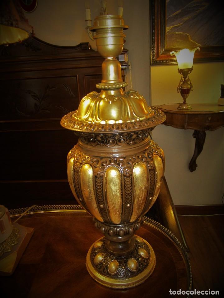 SOBERBIO PIE DE LAMPARA (Antigüedades - Iluminación - Lámparas Antiguas)