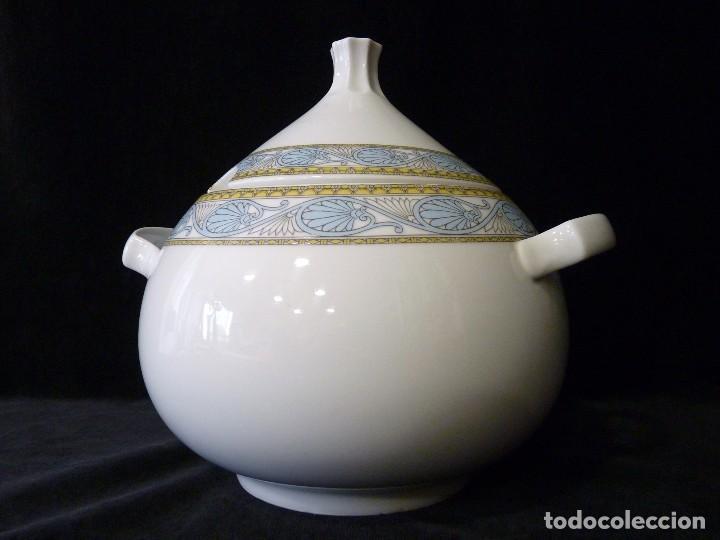 MAGNÍFICA SOPERA MARCA SANTA CLARA VIGO. 25X22 CM. (Antigüedades - Porcelanas y Cerámicas - Santa Clara)