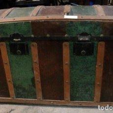 Antigüedades: ANTIGUO BAUL AÑOS 30 A 2 COLORES. Lote 110767707