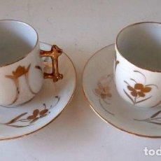 Antigüedades: PAREJA DE TAZAS CON PLATO DE CAFE PORCELANA GONZALEZ HERMANOS ALICANTE. Lote 110798787