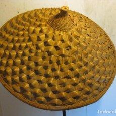 Antigüedades: SOMBRERO CHINO DE HOJA DE PALMERA. Lote 110820783