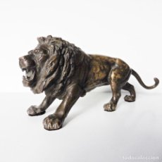 Antigüedades: ANTIGUA FIGURA DE UN LEÓN EN BRONCE   CIRCA 1930   ANTIQUE FIGURE OF A LION IN BRONZE. Lote 110841251