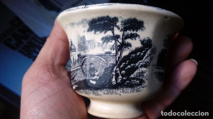 Antigüedades: antiguo juego de tres tasas de cafe y sus platos pickman la cartuja sevilla, - Foto 5 - 230722780