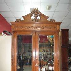 Antigüedades: ANTIGUO ARMARIO ALFONSINO DE DOS PUERTAS, MADERA TALLADA,. Lote 110882479