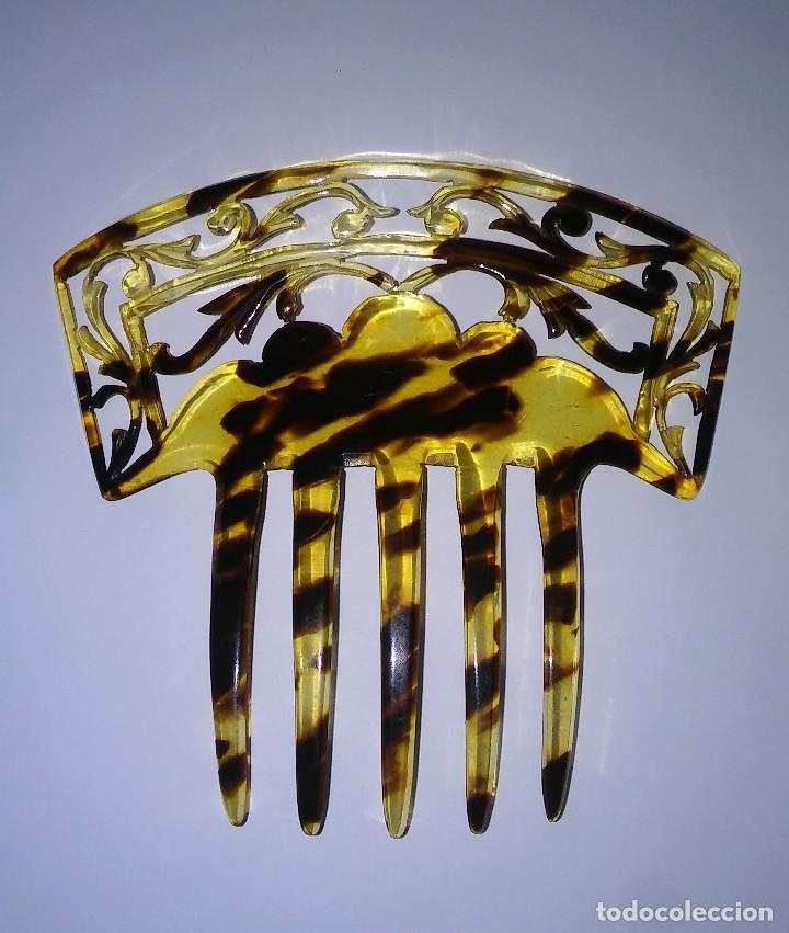 Antigüedades: Peineta para tocado calada, tallada a mano símil carey, ideal traje regional, años 20, antigua s XX - Foto 5 - 110888035
