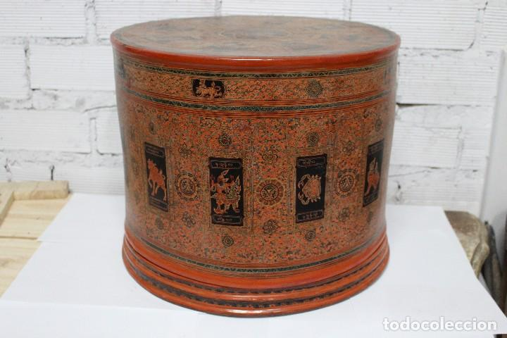 GRAN CAJA DE PAPEL MACHÉ SIGLO XIX. (Antigüedades - Hogar y Decoración - Cajas Antiguas)