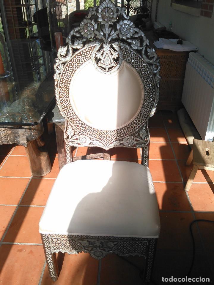 Antigüedades: Pareja de sillas antiguas sirias con incrustaciones en madreperla - Foto 2 - 110988519
