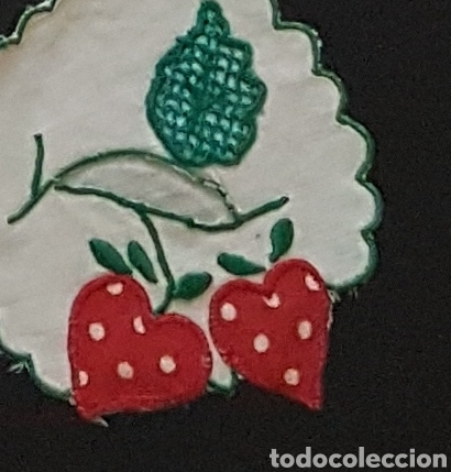 Antigüedades: Tapete lino fresas bordadas - Foto 8 - 111028079