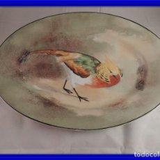 Antigüedades: FUENTE DE PORCELANA DE LIMOGES CON BONITO PAJARO. Lote 111045271