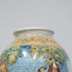Antiques: RESERVADA. ORZA DE TALAVERA. CON ESCENA DE LAGARTERANOS. GRANDE. Lote 111057263