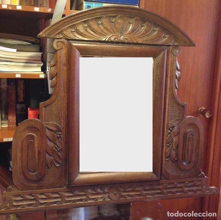 Antigüedades: Espejo madera tallada estilo rústico motivos vegetales Copete labrado - Foto 7 - 111066767