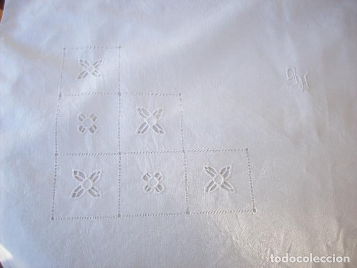 Antigüedades: DOS CUADRANTES ANTIGUOS EN LINO BORDADOS A MANO . MUY BUEN ESTADO - Foto 5 - 111082351