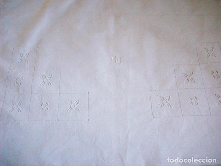 Antigüedades: DOS CUADRANTES ANTIGUOS EN LINO BORDADOS A MANO . MUY BUEN ESTADO - Foto 7 - 111082351