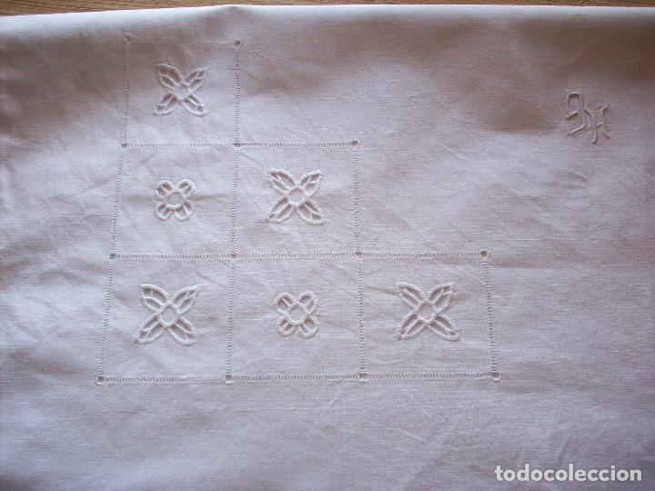 Antigüedades: DOS CUADRANTES ANTIGUOS EN LINO BORDADOS A MANO . MUY BUEN ESTADO - Foto 8 - 111082351