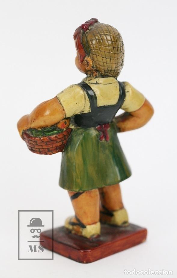 Antigüedades: Escultura de Resina Policromada - Niña Catalana Con Fruta - RD. Hostalrich/Hostalric - Foto 3 - 111083075