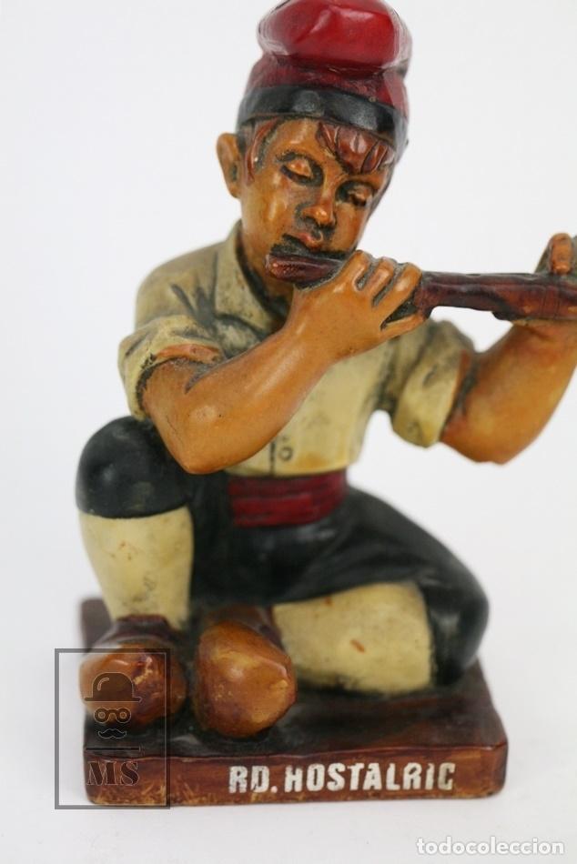 Antigüedades: Escultura de Resina Policromada - Niño Catalán Con Flauta - RD. Hostalrich/Hostalric - Foto 2 - 111083095