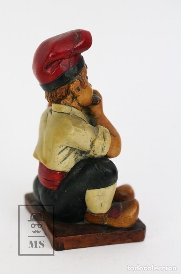 Antigüedades: Escultura de Resina Policromada - Niño Catalán Con Flauta - RD. Hostalrich/Hostalric - Foto 3 - 111083095