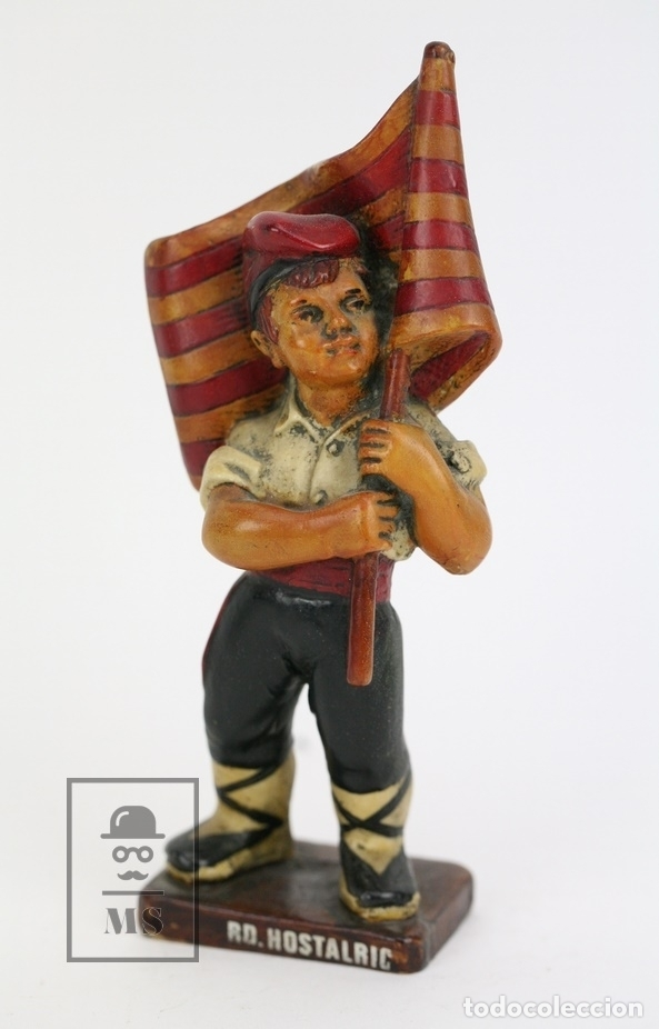 ESCULTURA DE RESINA POLICROMADA - NIÑO CATALÁN CON BANDERA - RD. HOSTALRICH/HOSTALRIC (Antigüedades - Hogar y Decoración - Otros)