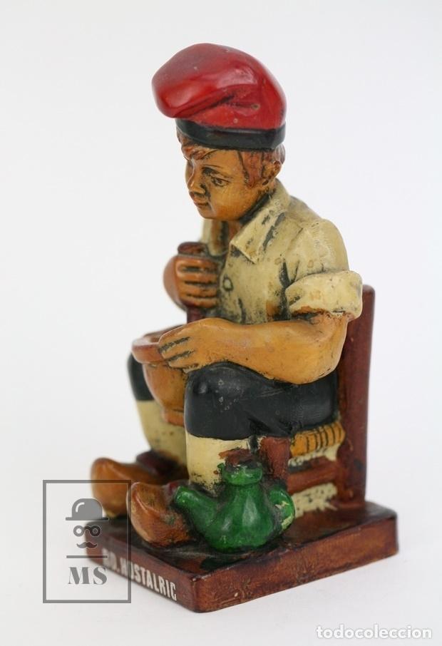 Antigüedades: Escultura de Resina Policromada - Niño Catalán Con Mortero - RD. Hostalrich/Hostalric - Foto 2 - 111083226