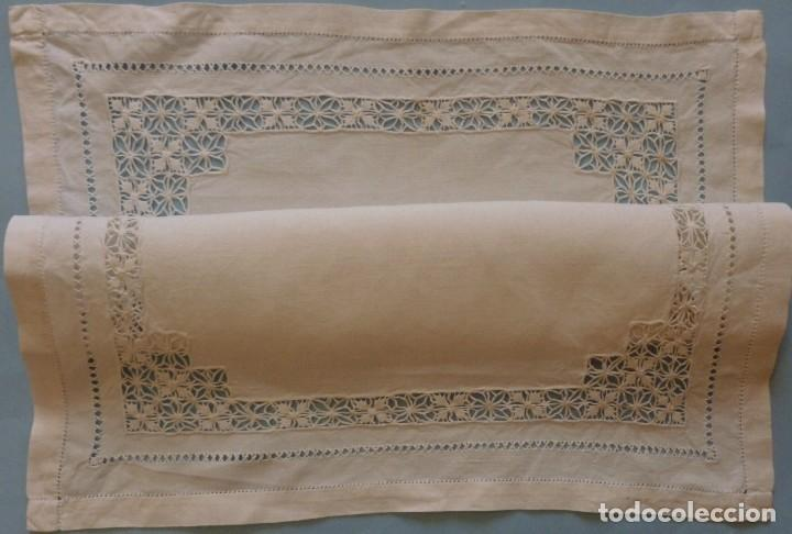 Antigüedades: ANTIGUO TAPETE DE LINO - BORDADO DE DIFERENTES VAINICAS Y ENCAJES S.XIX - Foto 5 - 111094767