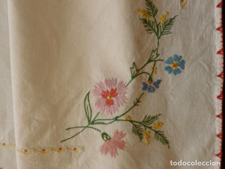 Antigüedades: ANTIGUO TAPETE DE LINO - BORDADO PPIO.S.XX - Foto 3 - 111107791