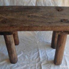 Antigüedades: PEQUEÑO BANCO RUSTICO. Lote 111186107