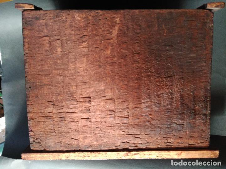 Antigüedades: PEQUEÑA COMODA SIGLO XIX JOYERO COSTURERO MADERA NOBLE TRES CAJONES PEQUEÑAS DIMENSIONES 24X18X18cm - Foto 3 - 216973318