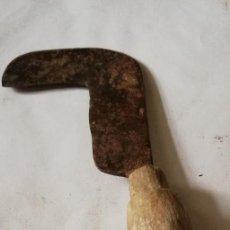 Antigüedades: PODON ANTIGUO PARA LA VENDIMIA. Lote 111196123