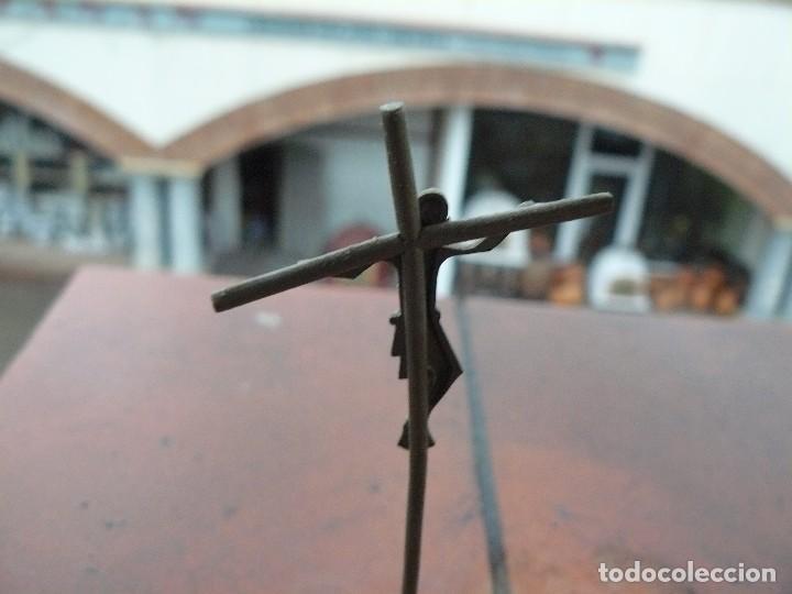 Antiquitäten: Cruz de plata sobre piedra natural - Foto 4 - 111271379