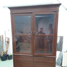 Antigüedades: MUEBLE VITRINA. Lote 111333035