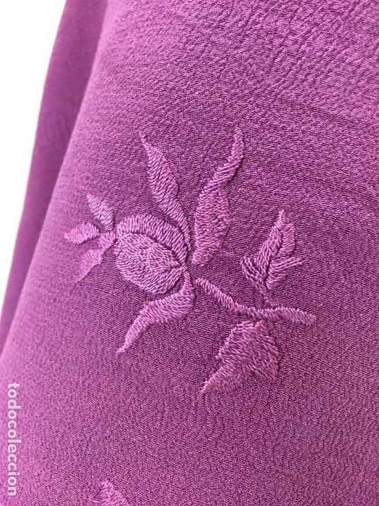 Antigüedades: Antiguo Mantón de seda bordado - Foto 2 - 111340523