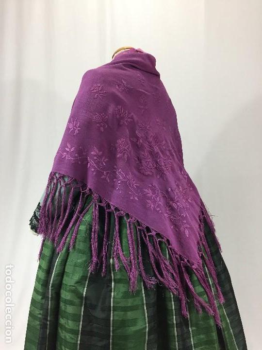 Antigüedades: Antiguo Mantón de seda bordado - Foto 3 - 111340523