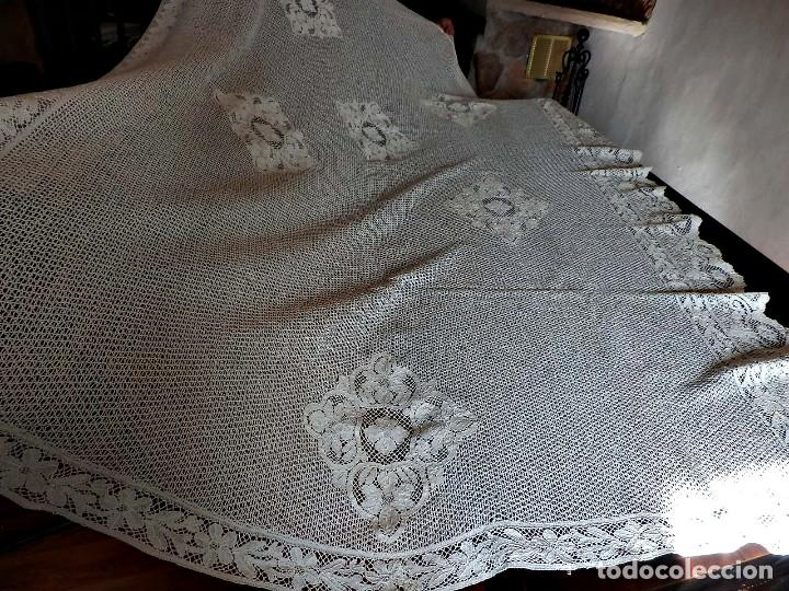 Antigüedades: T4 Gran cuadrante de encaje de bolillo manual antiguo. Para mesa, cama....paneles. - Foto 7 - 111342895