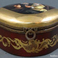 Antigüedades: JOYERO CAJA PORCELANA FRANCESA Y CIERRE BRONCE CON ESCENA HOLANDESA FINALES SIGLO XIX. Lote 111344067