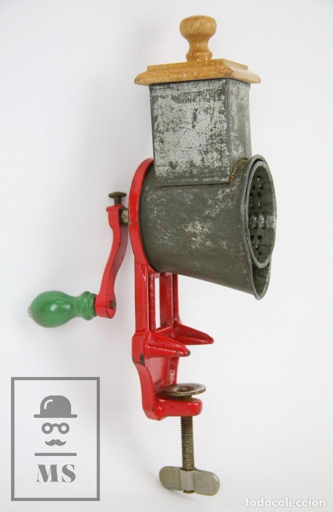 Antigüedades: Antiguo Rallador de Pan - Elma 1444 - Años 50 - Medidas 7 x 14 x 28 cm - Foto 3 - 111350299